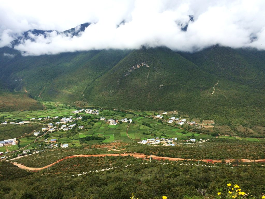 Au sud des nuages Shangri La La route vers Balazedong