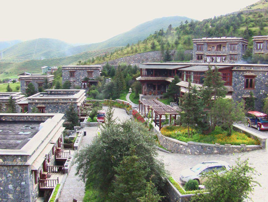 Songtsam Retreat Vue sur les villas et les allées